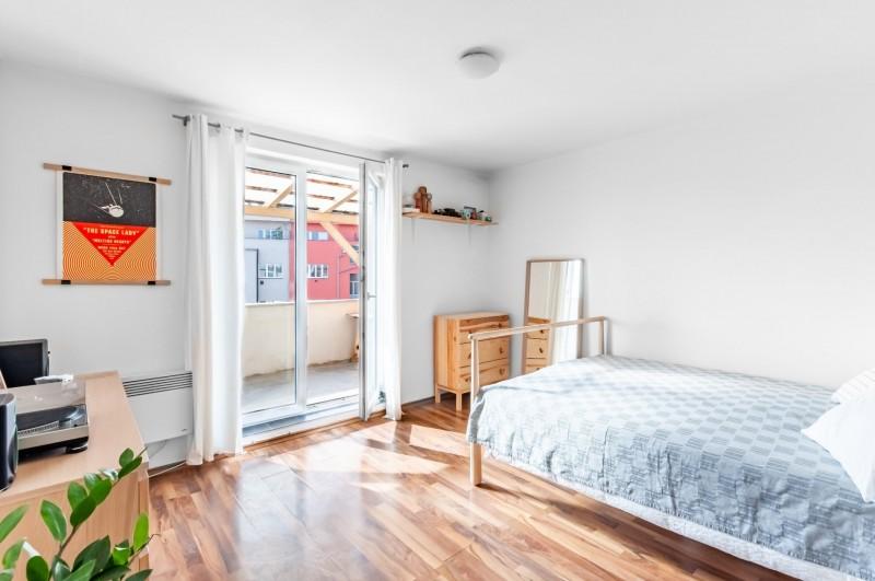 Prodej bytu 1+kk s velkou terasou (35 m2),