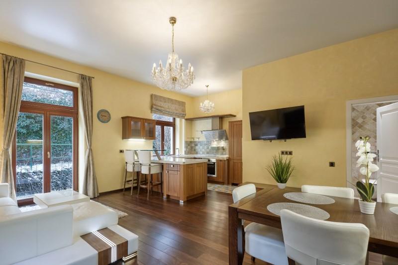 Prodej bytu 4+KK Karlovy Vary Zámecký Vrch